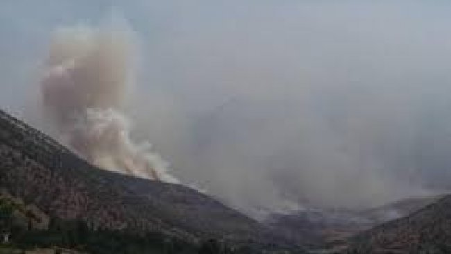 Türkiye'nin bombardımanı nedeniyle sınır köylerinde yangın çıktı