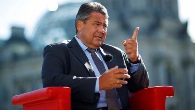Eski Almanya Dışişleri Bakanı: Biz ABD'yi YPG konusunda uyardık