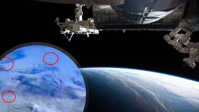 NASA'nın Uluslararası Uzay İstasyonu canlı yayınında tanımlanamayan nesneler görüldü!