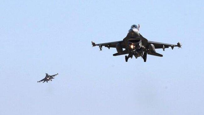 Türk ve ABD savaş uçaklarından ortak devriye