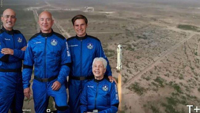 Jeff Bezos dahil 4 kişiyi taşıyan araç uzaya fırlatıldı