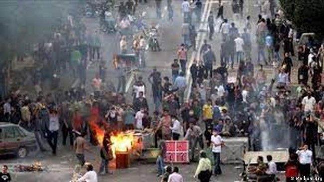 Ruhani: Su protestoları siyasi çatışmaya dönüşebilir