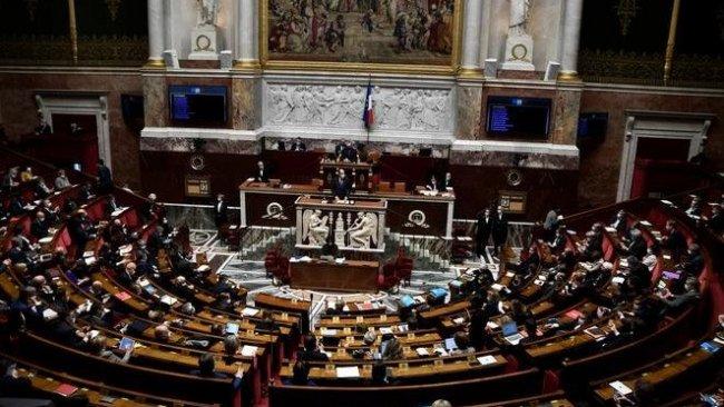 Fransa'da 'İslamcı bölücülükle mücadele' yasası Meclis'ten geçti