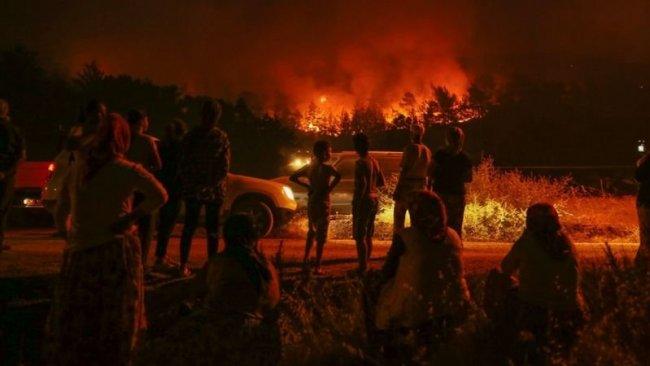 Guardian'dan orman yangınları yorumu: 'Türkiye'de hükümete öfke büyüyor'