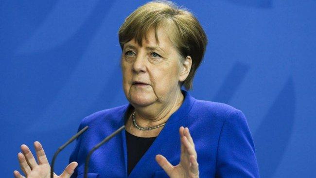 Merkel: ABD'nin Afganistan'dan geri çekilmesi domino etkisi yarattı