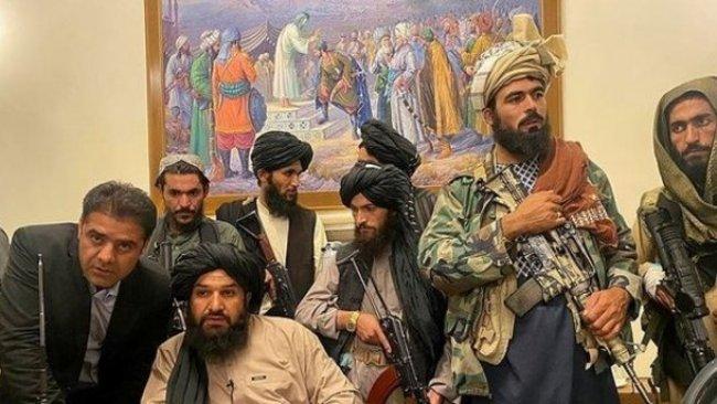 Fehim Taştekin: Taliban'ın kendi rengini verdiği senaryosu vekalet savaşını tetikleyebilir