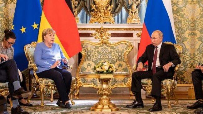 Merkel: Taliban ile müzakere etmeye çalışmalıyız