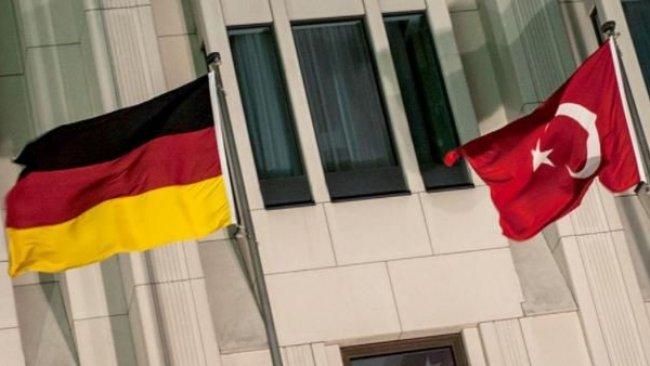Almanya'dan Türkiye'ye adı konmamış silah ambargosu