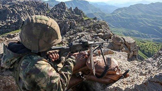 Bitlis'te askerle PKK arasında çatışma