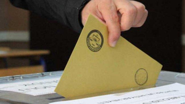 Anket: AK Parti bir ayda 3 puan kaybetti