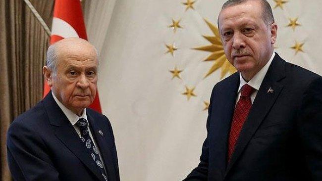 Özer Sencar:  'Kürt sorunu yoktur' derken Bahçeli Erdoğan'a resti çekti