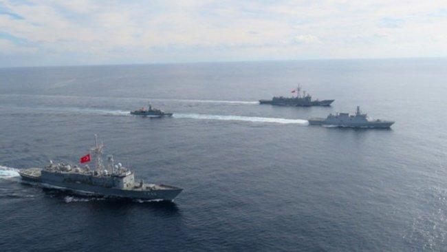 Doğu Akdeniz'de Yunan gemisine engelleme
